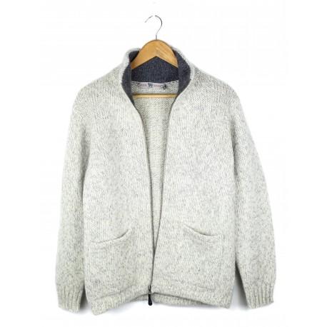 Šviesus vilnonis megztinis su kišenėmis