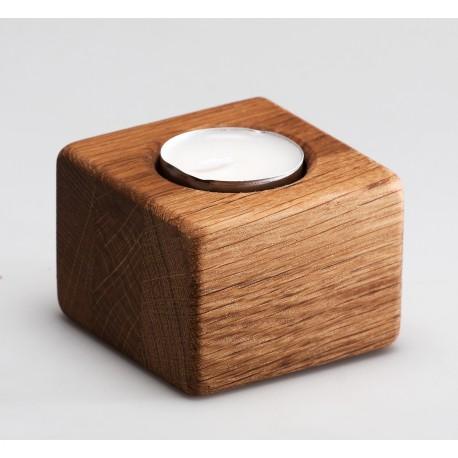 Medinė kvadratinė žvakidė