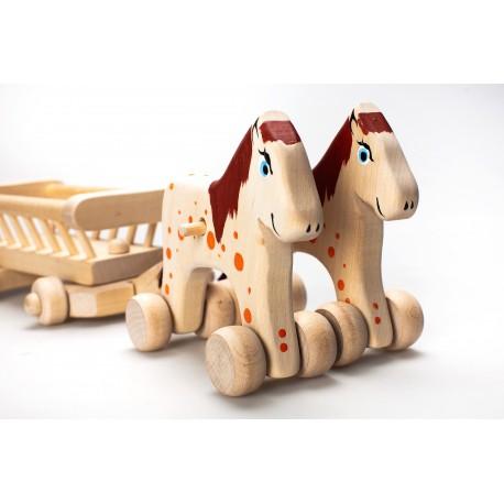 Medinis vežimas su arkliukais